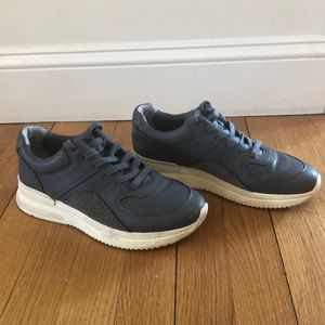Everlane sneakers / trainers. Barely worn! Size 8